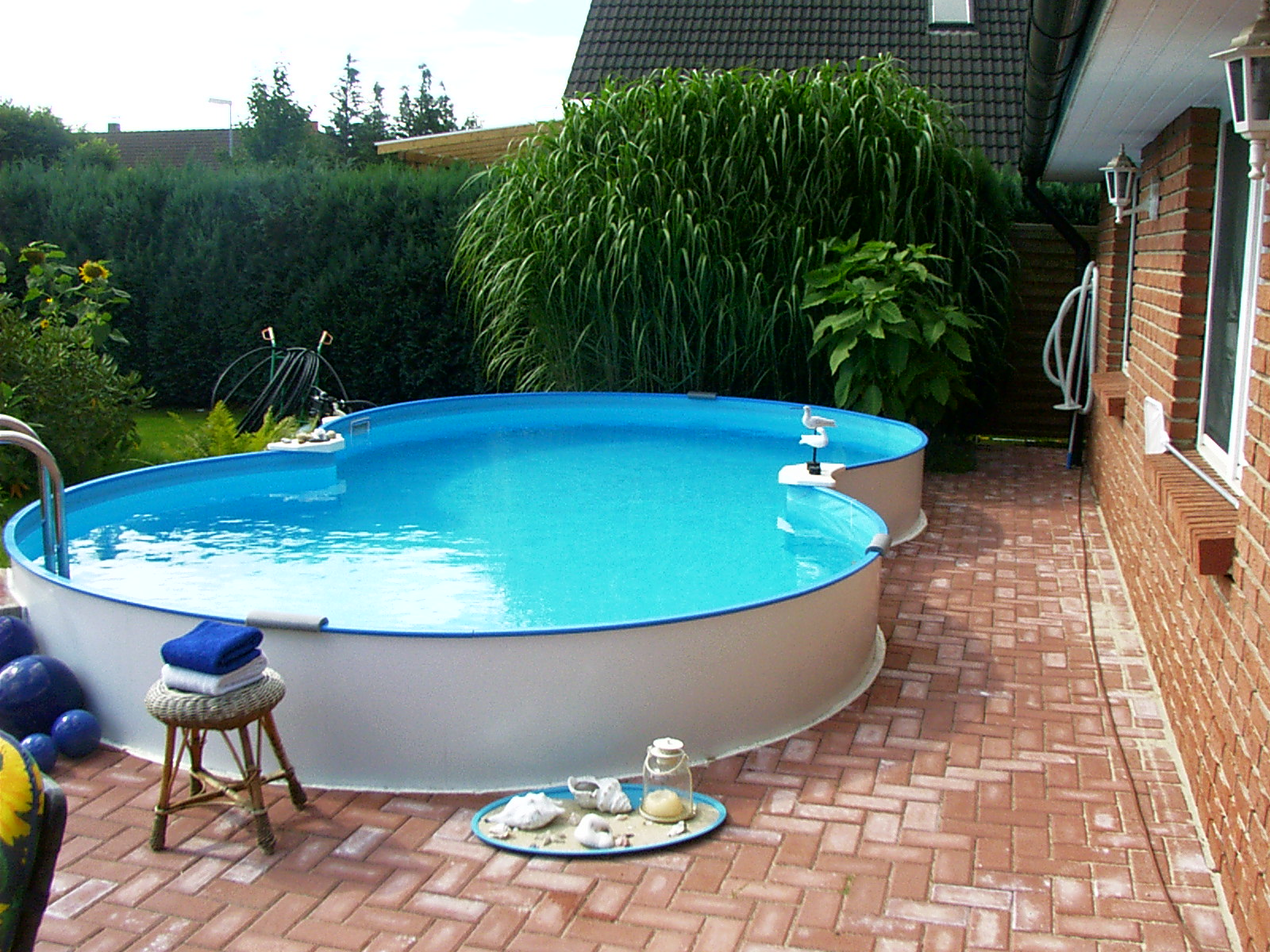 pool f r kleinen garten kleiner pool im garten new garten ideen pools f r den garten pool. Black Bedroom Furniture Sets. Home Design Ideas